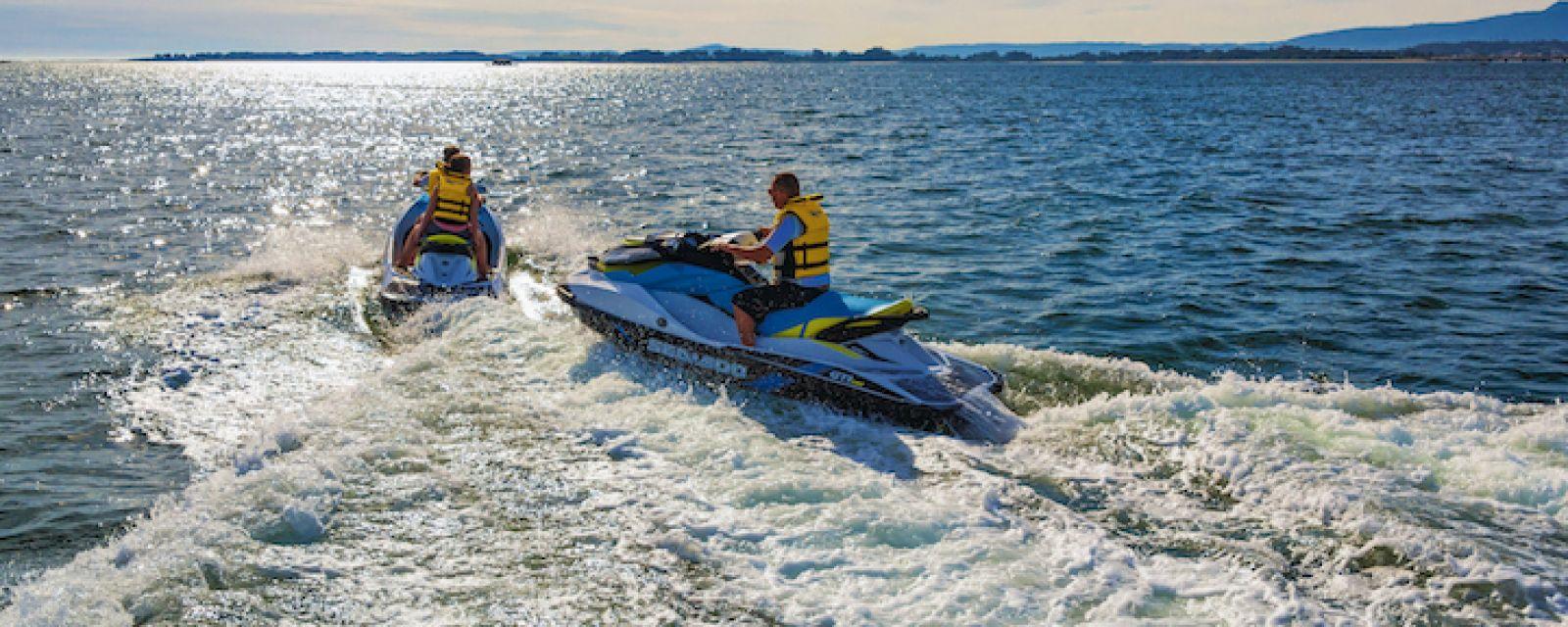 Te ofrecemos la oportunidad de alquilar motos de agua en Galicia para navegar en Sanxenxo y descubrir la costa de Pontevedra