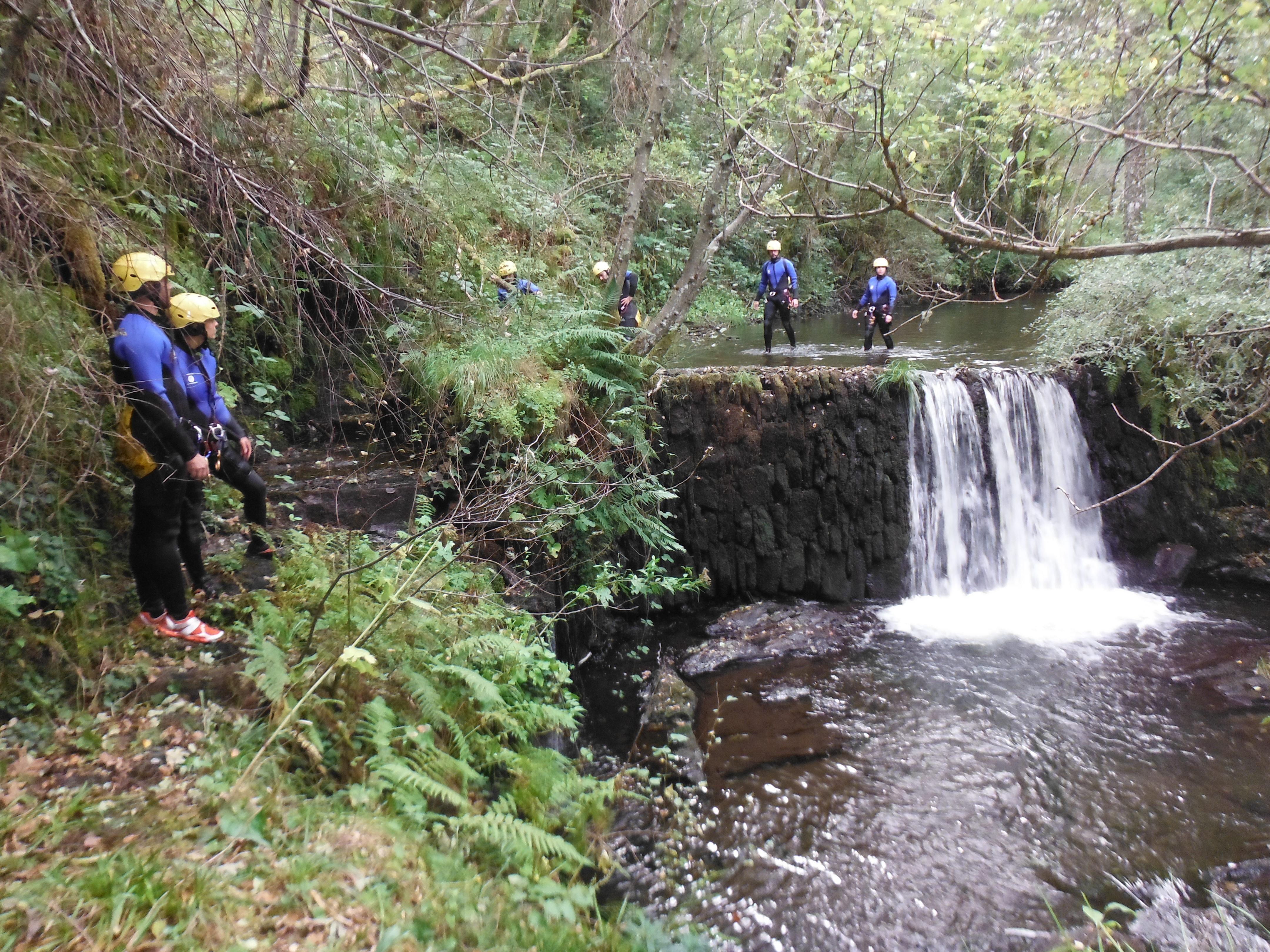 Las rutas de aventura en Galicia son la actividad perfecta para divertirse y descubrir las cientos de leyendas de nuestra tierra.
