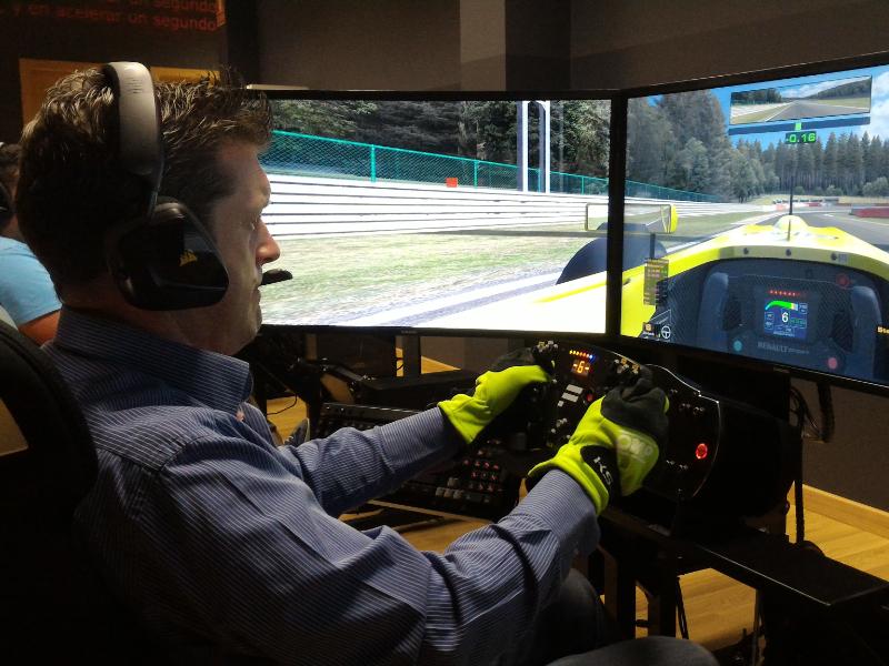 Descubre nuestro nuevo simulador de carreras para despedidas de soltero y soltera en Galicia